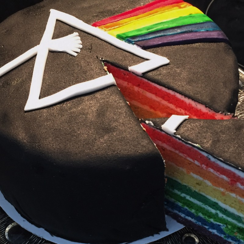 R4PUN2ELs Dark Side of the Moon Torte